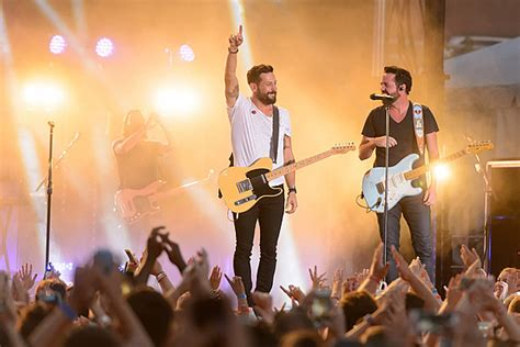 Old Dominion Premiere Music Video For 'song For Another Time