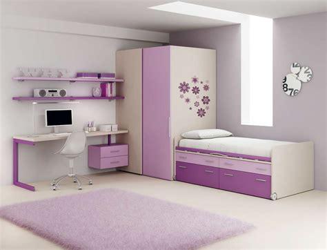 rangement chambre fille chambre fille pourvu d 39 un lit avec rangement