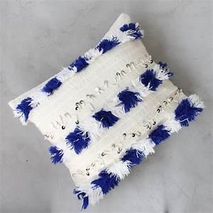Housse De Coussin Berbere : housse de coussin berb re bleue handira traditionnelle ~ Melissatoandfro.com Idées de Décoration