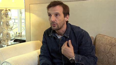 """Mathieu kassovitz raconte le tournage de la haine : Interview Mathieu Kassovitz : Mathieu Kassovitz : """"L'ordre et la morale est mon film le plus ..."""