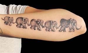 Tattoo Ideen Familie : elefant tattoo gibt ihnen kraft 25 faszinierende ideen tattoo t towierungen tattoo familie ~ Frokenaadalensverden.com Haus und Dekorationen
