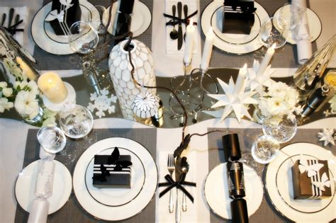 3 Looks To Decorate Your Table This Christmas Things To Do For A Christmas Party Alcoholic Punch Recipes Martha Stewart Ideas Meals How Host An Ugly Sweater Non-alcoholic Halifax Sweaters