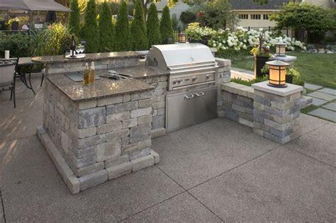 outdoor cooking area garden