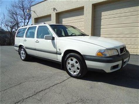 purchase   volvo  xc cross country awdcyl