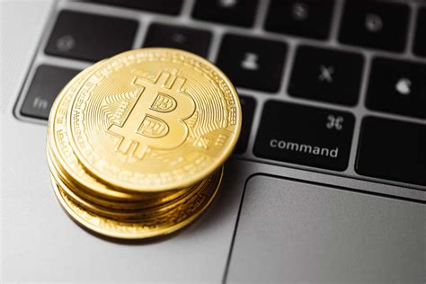 For bitcoin, it is 10 minutes, while for ethereum it's 14 seconds. Taking Luck Into Account When Mining Bitcoin - CoinShark