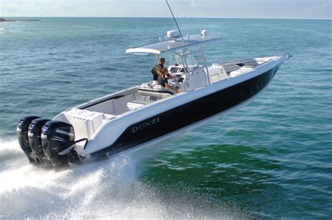 Donzi Go Fast Boats For Sale by 187 Donzi Looks Ahead