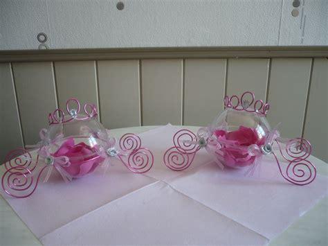 decoration bapteme theme princesse les contenants 224 drag 233 es en forme de carrosse suite de la d 233 coration de table pour un bapt 234 me