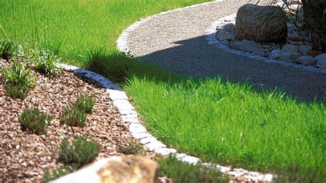 Rasenkanten Verlegen So Trennen Sie Beet Und Rasen Perfekt