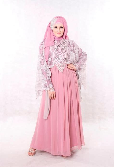 baju pesta muslimah modern dusty pink shoping model