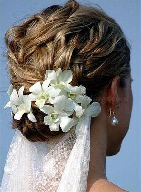 beach wedding hairstyles   bridal updo for beach weddings
