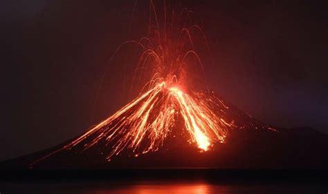 indonesia reroutes  flights  erupting anak