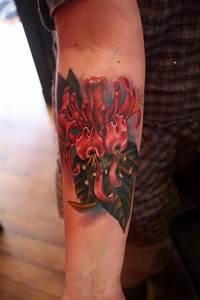 Ty McEwen - Honeysuckle flower tattoo