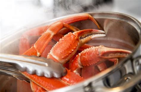 crab legs cooking how to cook king crab legs lovetoknow