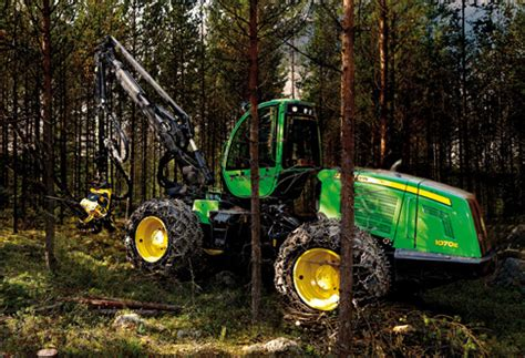 action shots   john deere forestry harvester