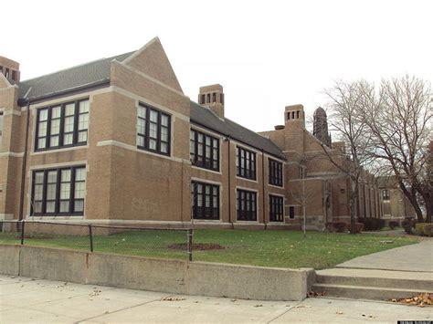 detroit public schools auction  contents  closed