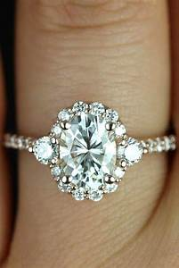 21 gorgeous engagement rings she will love mens wedding for Halo engagement rings with wedding bands