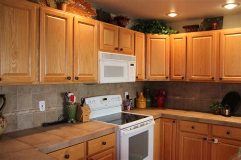 kitchen cabinets shopping several options you need to consider when shopping oak 6278