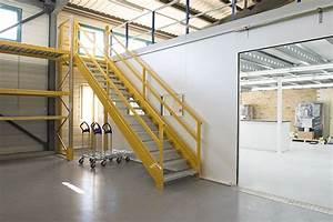 Transport über Treppen : leitern fahrbare podeste treppen d t e concept gmbh ~ Michelbontemps.com Haus und Dekorationen