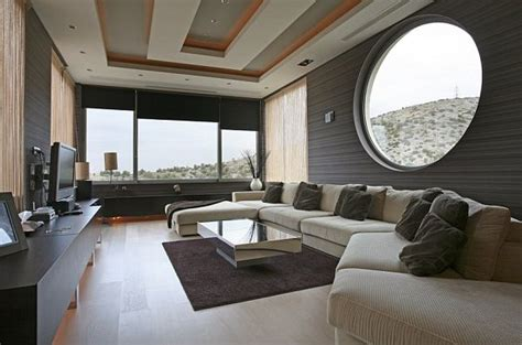 Jun 16, 2021 · inside, jenquel's unrestrained vision extends throughout the warmly decorated villa. Modern Oikia Panorama Voulas Villa From A Greek Designer