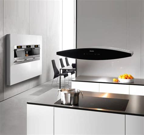 hotte de cuisine suspendue des hottes aspirantes très design galerie photos d