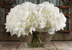 Simple yet beautiful! -- Silk Hydrangeas in Glass Vase ...