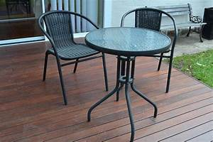 Beautiful Round Patio Table And Chairs With Small Black