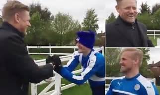 Jamie Vardy teases Kasper Schmeichel after Peter turns up ...
