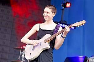 Frankie Cosmos stuns a sold out Scala, Live in London