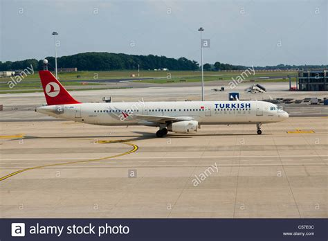 bureau turkish airlines bruxelles 28 images photo 45028 turkish airlines airbus a321 231 tc