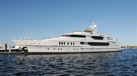 Pictures Of Tiger Woods Boat by Tiger Woods Yacht Spotted In The Htons Prior To U S