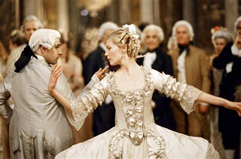 Die 17 schönsten Prinzessinnenkleider der Filmgeschichte ...