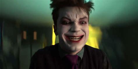 actor joker in gotham gotham s joker actor takes shot at justice league s cgi