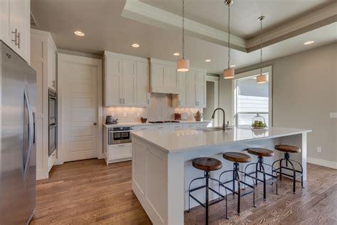 cuisine avec plan de travail en granit cuisine cuisine plan de travail granit avec blanc couleur