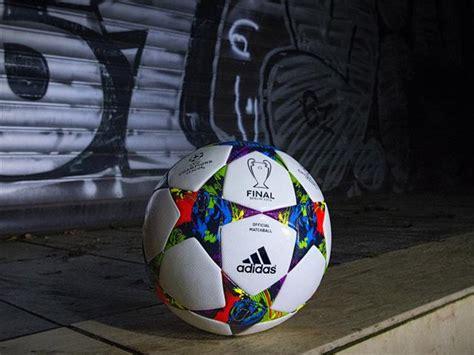 bola da final da champions league  berlim adidas
