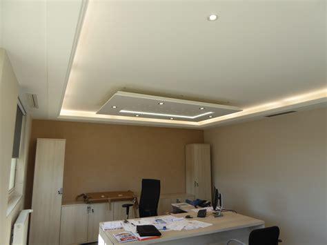 luminaire bureau plafond osez éclairer vos espaces avec le plafonnier staff décor