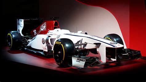 alfa romeo sauber  team reveals   car concept livery