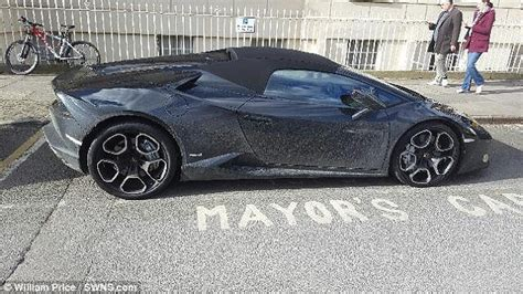 The House That Parks A Lamborghini In The Living by Fashion 22 Continues To Park Car In Mayor S Spot