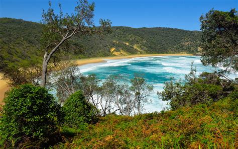 Jervis bay is a large protected bay in shoalhaven 120 km south of sydney and 20 km south of nowra.it is home to hmas creswell, the australian navy's officer training facility. Weekend in Jervis Bay
