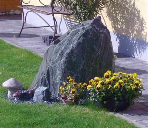 Große Findlinge Für Garten by Findlinge Natursteine F 252 R Den Garten In Gro 223 Er Auswahl