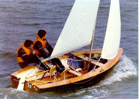 sailboatdatacom vaurien sailboat