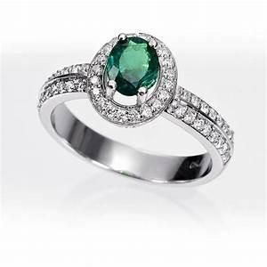 Anillo orla esmeralda y diamantes