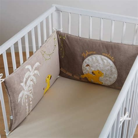 kiabi chambre bébé tour de lit en velours taupe et