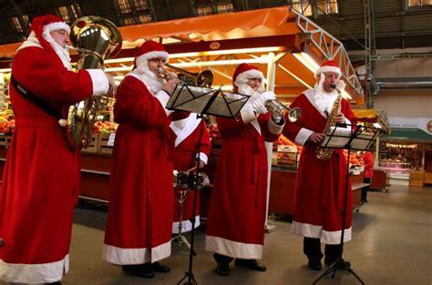 Kuras ir desmit populārākās Ziemassvētku dziesmas ...