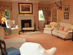 25 drawing room ideas for your home in pictures for Drawing room design pictures