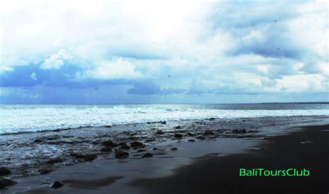pantai watu klotok  kabupaten klungkung bali