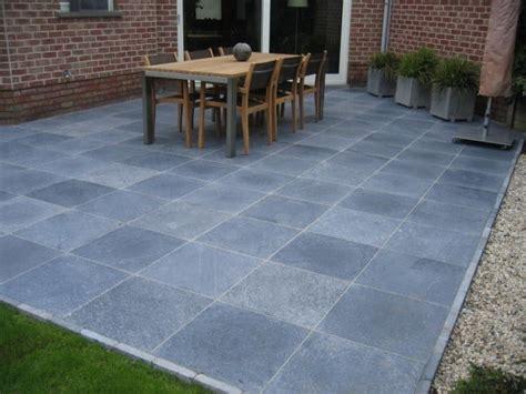 blauwe steen tegels blauwe steen voordelen prijs terras aanleggen