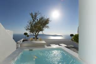 The Santorini hotel heating up the VIP romance market ...