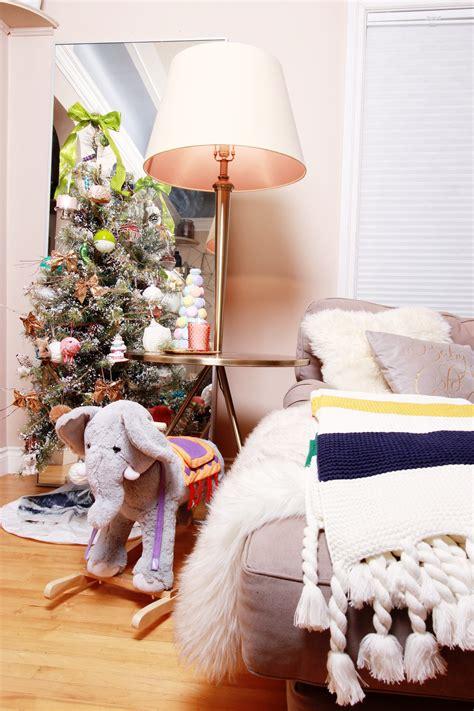 lifestyle holiday decor home   modern