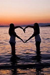 beach, friends, hands, heart, love - image #426034 on ...
