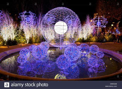 christmas decorations avenue des champs elysees paris
